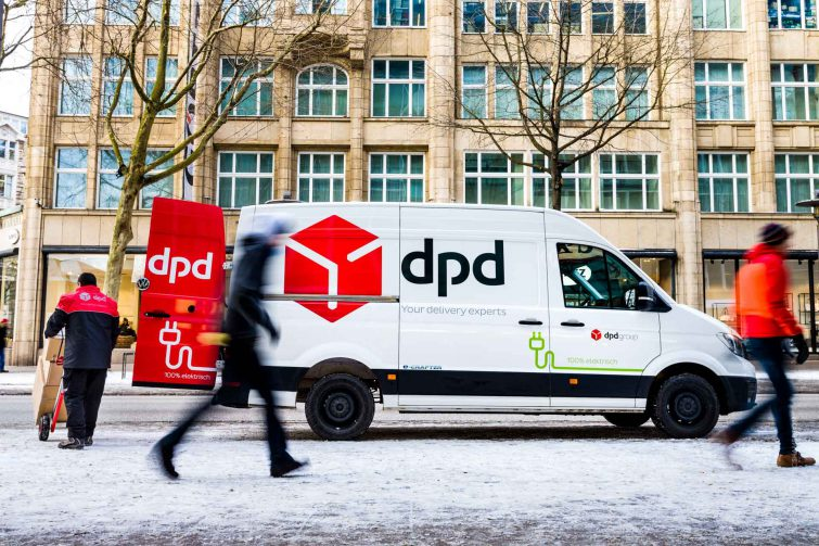 DPD delivery utilizes the eCrafter electric delviery vehicle from Volkswagen | © Eric Shambroom Photography