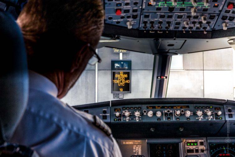 Cockpit view, Flughafen Airport gate signage, Hamburg Airport | © Eric Shambroom Photography